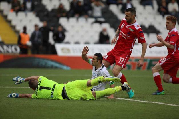 Il gol di Camillo Ciano (LaPresse)