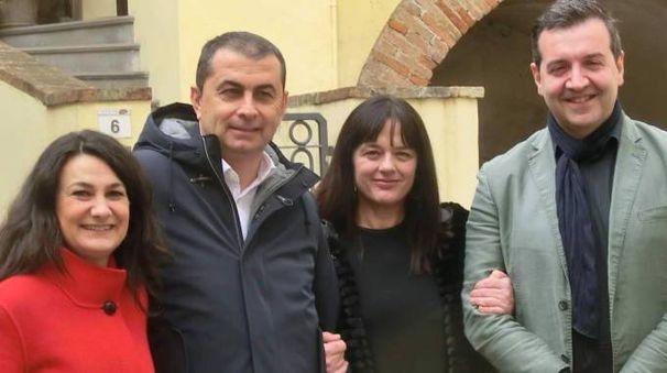 Da sinistra Rossella Tassinari, Daniele Vallicelli, candidato a sindaco, Isabella Leoni e Emanuele Coveri