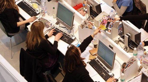 Lavoratori dipendenti, donne al lavoro: foto generica