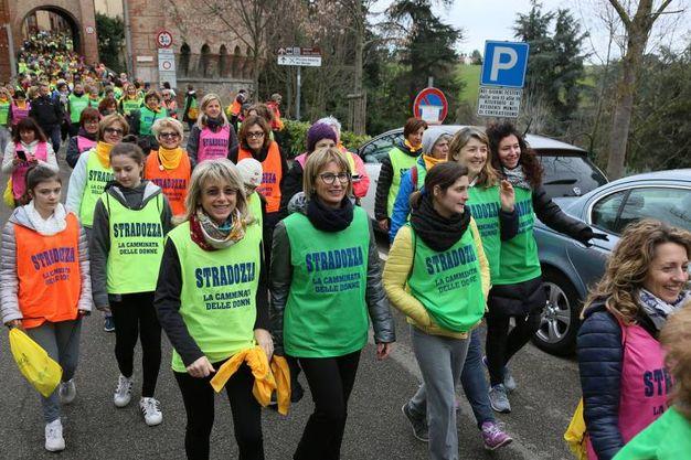 Alcuni delle donne partecipanti (foto Isolapress)