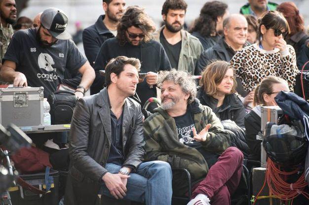 Ideatore della serie è Carlo Lucarelli (Massimo Paolone)