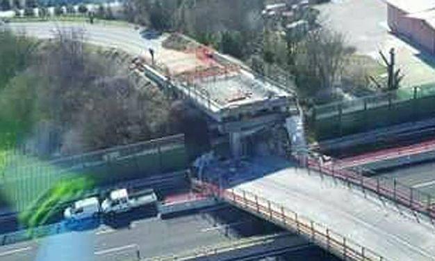 Nel tratto erano in corso i lavori per la costruzione della terza corsia