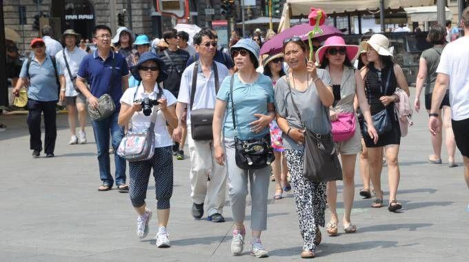 Turisti cinesi alla conquista della città