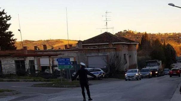 Fano, l'incidente moto-camion a Calcinelli di Saltara
