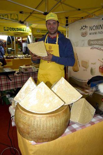 I formaggi non mancano (foto Businesspress)