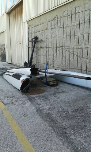 Il catamarano coinvolto nell'incidente a Lido di Camaiore