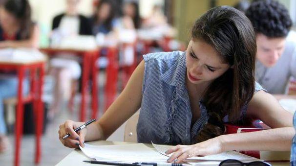 Una ragazza all'esame di Stato