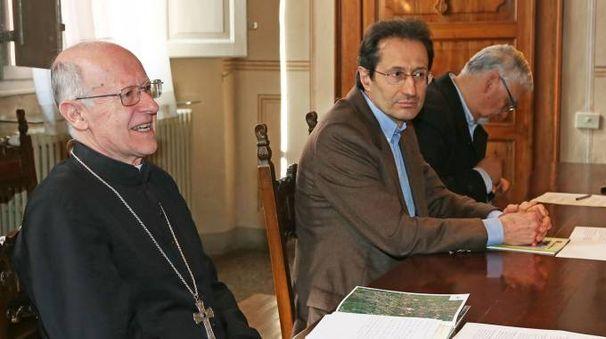 Il vescovo Tommaso Ghirelli, Luca Gabbi e Sanzio Brunori