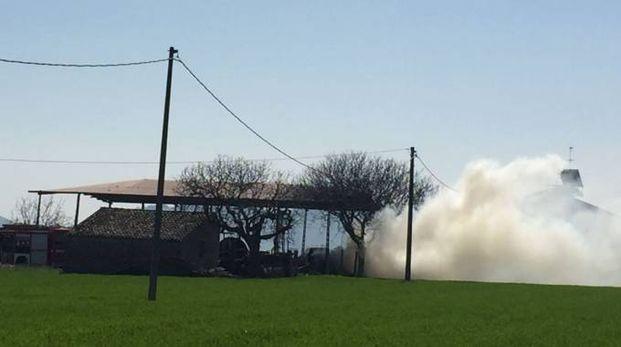 Incendio a Porto Sant'Elpidio (foto Zeppilli)