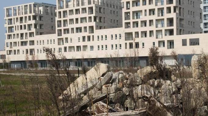 Cantiere abbandonato a Porta Vittoria (Newpress)
