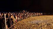 Tante le perone accorse in spiaggia per non perdersi lo spettacolo (Petrangeli)