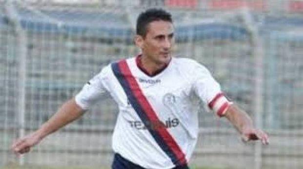 Antonio Brontolone, ex capitano e adesso allenatore del Cecina