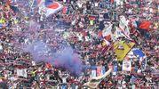 La variopinta curva dei tifosi del Bologna (foto Schicchi)