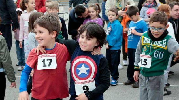 I bambini protagonisti nella corsa campeste per la festa del papà