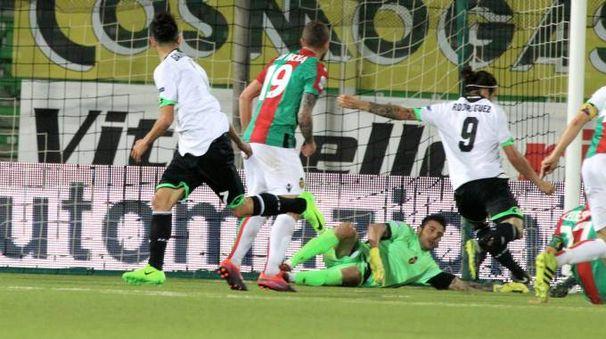 Il gol di Rodriguez (Foto Ravaglia)