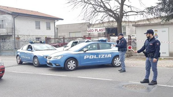La polizia sul luogo della tragedia (Foto Donzelli)