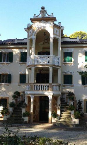 Osimo (Ancona), Villa Tuzi Gallo