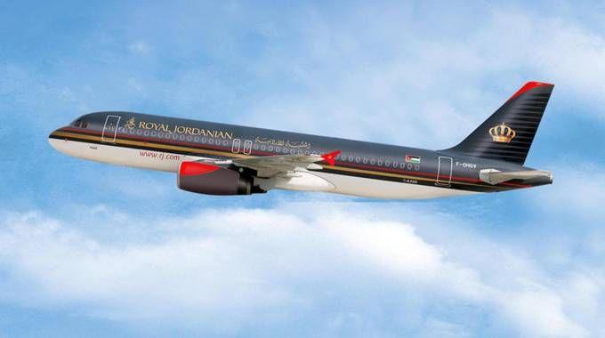 Uno degli aerei della Royal Jordanian Airlines (Ansa)