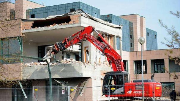 La demolizione del Palaspecchi