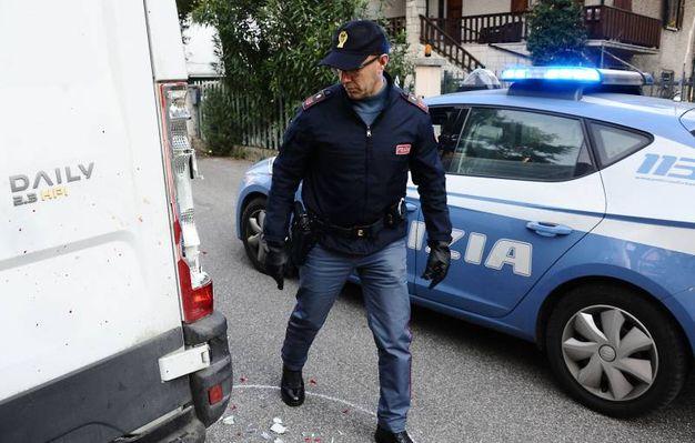 La polizia nel luogo dell'aggressione (foto Migliorini Adriapress)