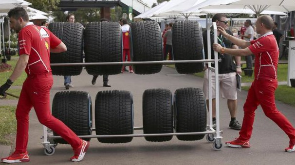 Formula 1, tecnici Ferrari (Ansa)