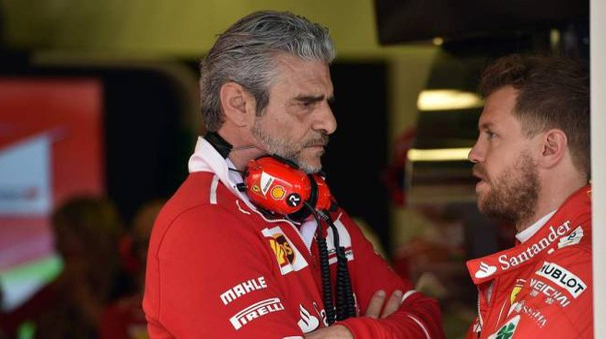 Formula 1 2017, Maurizio Arrivabene e Sebastian Vettel (Afp)