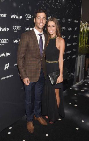 Daniel Ricciardo, pilota della Red Bull, e la moglie Jemma Boskovich: i due australiani stanno insieme dai tempi del liceo (Felix Hoerhager/dpa)