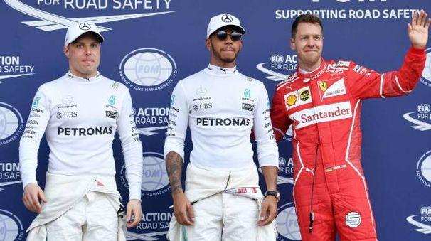 Bottas, Hamilton e Vettel (Afp)