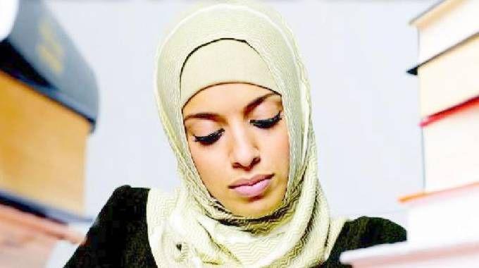 Velo islamico, hijab, foto generica