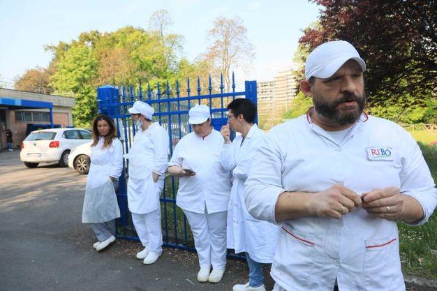 I lavoratori del centro pasti Erbosa (Schicchi)