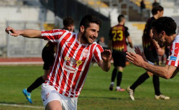 Turchetta esulta per il gol (Calavita)