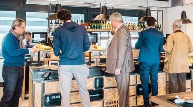 MANGIARE 'TIPICO' Uno dei punti di ristoro compresi  nel nuovo sistema  di ristorazione  di Autogrill è basato sulla valorizzazione degli alimenti tradizionali  dei territori attraversati dall'autostrada