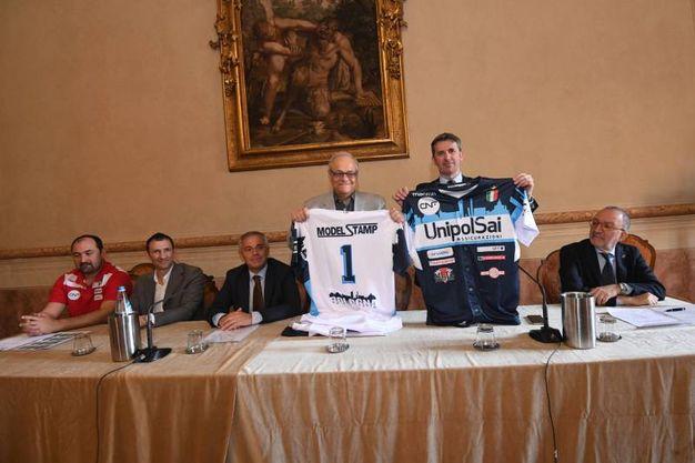 La presentazione è avvenuta alla sede dell'Ascom di Strada Maggiore (foto Schicchi)
