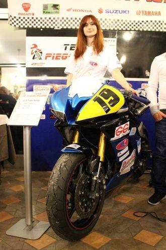 Team Piega Racing: la miss Eva (foto Ottaviani)