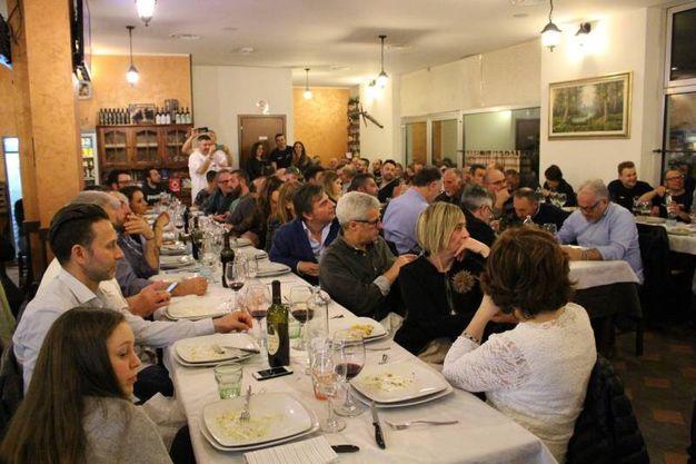 Team Piega Racing: i sostenitori all'Osteria del Gusto (foto Ottaviani)