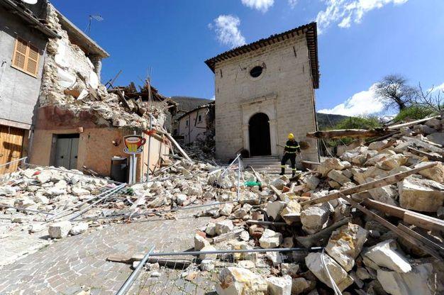 I crolli sono stati importanti, in alcuni casi hanno distrutto interamente le case (Foto Calavita)