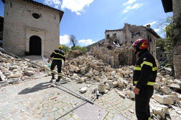 In quanto zona a rischio, non si potrà infatti pensare di ricostruire le case dov'erano (Foto Calavita)