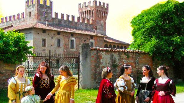 Una manifestazione nel castello di Malpaga (foto di repertorio)