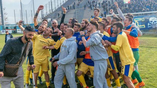 La squadra della Fermana (foto Zeppilli)