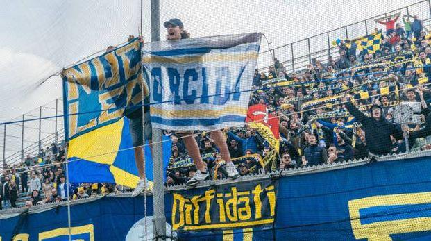 I tifosi della Fermana (foto Zeppilli)
