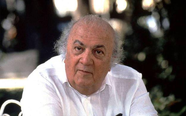 Il regista Federico Fellini, ritratto da Magnani