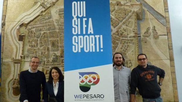 Il sindaco Ricci e l'assessore Della Dora con gli ideatori del brand Gostoli e Andreani