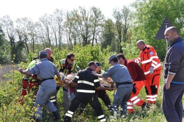 Grosseto: incidente sul lavoro, operaio travolto da una frana (foto Roberto Pieralli)