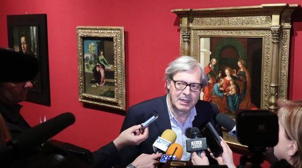 Vittorio Sgarbi all'inaugurazione ad Urbino (Fotoprint)