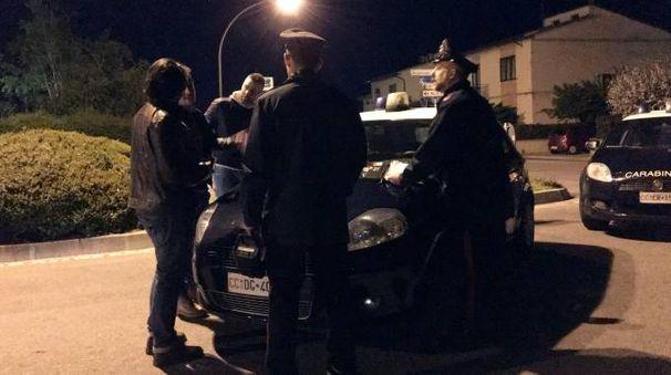 I controlli dei carabinieri a Fibbiana (Foto Gianni Nucci/Fotocronache Germogli)
