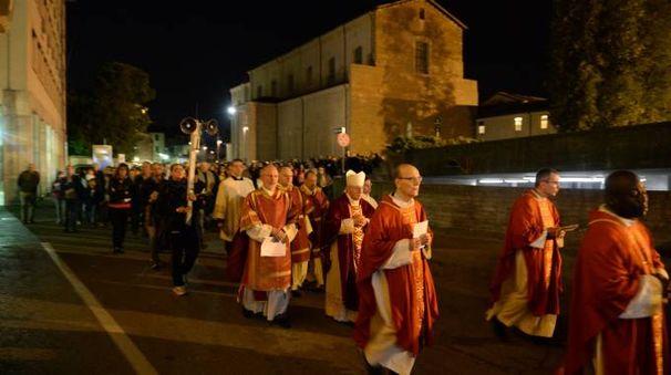 Forlì, in mille alla Via Crucis in centro storico (foto Frasca)