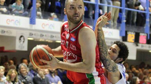 Milan Macvan, unico in doppia cifra per Milano (Lapresse)