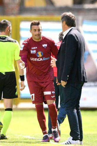 Barilla celebra il gol con Calori (LaPresse)