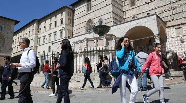 Il centro storico pieno di turisti