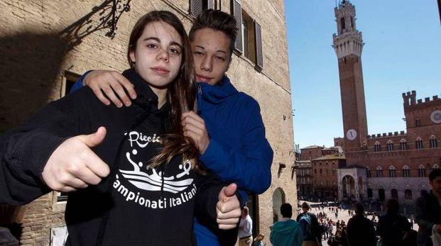 Sofia e Diego Dionisi ogni giorno fanno in vasca  dai 7 ai 9 chilometri per raggiungere risultati importanti